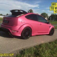 Ford Focus RS pink-matt